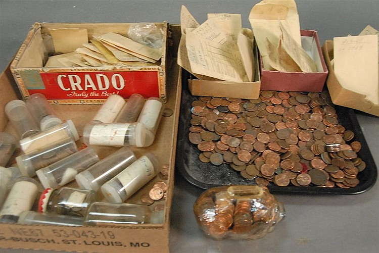 Coin lot of approximately 65 Indian head pennies, 110 silver dimes, 110 early 20th century nickel, and large group of Lincoln cents.