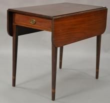 Federal mahogany drop leaf Pembroke table with drawer and inlay set on square tapered legs. ht. 29in., top closed: 19