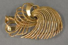 14K gold free form brooch. 7.2 grams