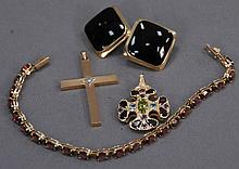 14K gold lot to include earrings, bracelet, cross, and pendant, total weight 20.7 grams.