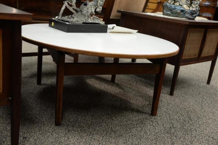 Jens risom coffee table height 16 inches diameter 35 inche for Coffee tables 16 inches high