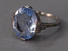 14K white gold ring with turquoise stone, 3.1 grams.