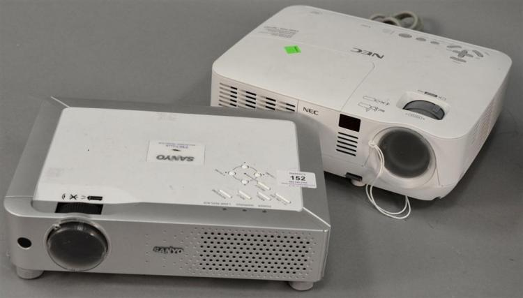 two projectors sanyo pro xtrax multiverse projector and nec. Black Bedroom Furniture Sets. Home Design Ideas