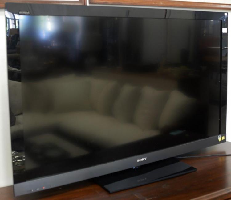Sony Bravia flat panel TV LCD, 2010 model, 55 inch.