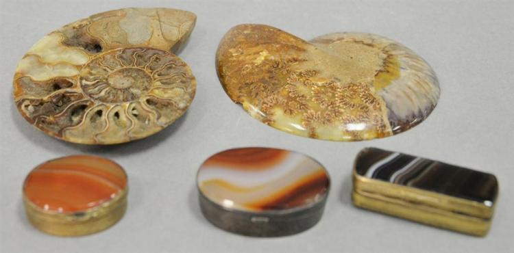 Four piece lot to include three silver and agate snuff boxes (one mounted with silver) and a large petrified shell fossil specimen i...