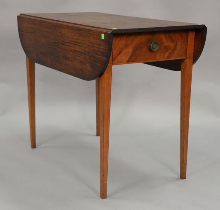 Mahogany Federal drop leaf table with drawer and line inlays, circa 1800. ht. 30in., top: 19