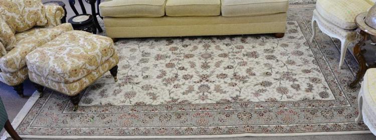 Oriental carpet, 7'10