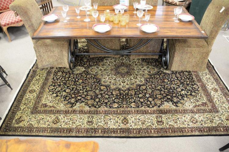 Oriental carpet. 8' x 10'