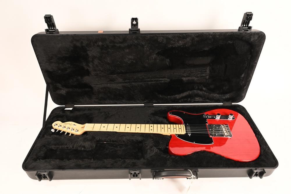 Fender Telecaster Guitar serial number US13043771 2013 Telecaster Transparent crimson red hardcase excellent used condition