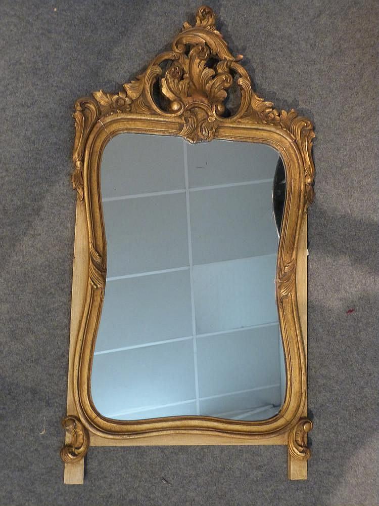 Miroir fronton feuillag en bois dor de style louis xv h for Miroir louis xv
