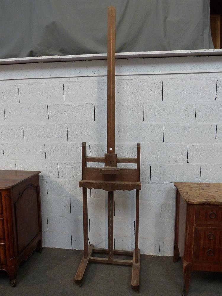 chevalet d 39 atelier de peintre en h tre cr maill re sur rou. Black Bedroom Furniture Sets. Home Design Ideas