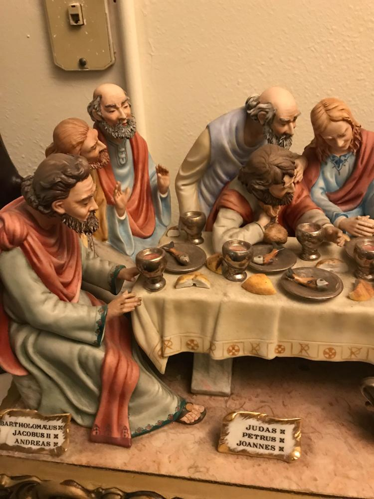 descriptive essay on the last supper Free and custom essays at essaypediacom take a look at written paper - leonardo da vinci's painting the last supper paper.