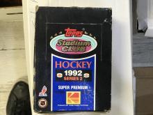 1992-93 Topps Stadium Hockey Wax Box