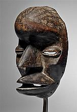 Dan/Wé Mask