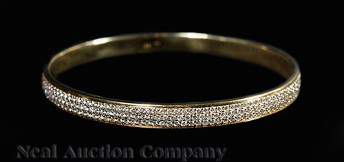 Memoire 18 kt. Yellow Gold Bangle Bracelet