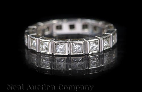 18 kt. White Gold and Diamond Eternity Band