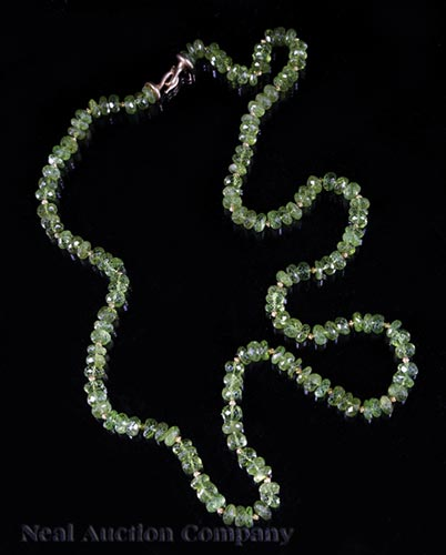 18 kt. & 22 kt. Yellow Gold and Peridot Necklace