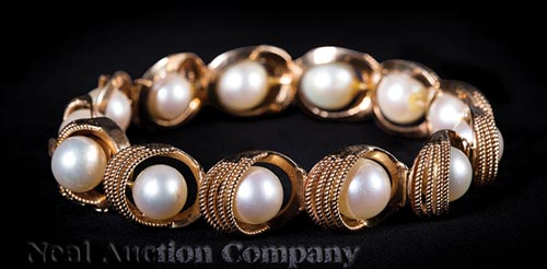 14 kt. Yellow Gold and Cultured Pearl Bracelet