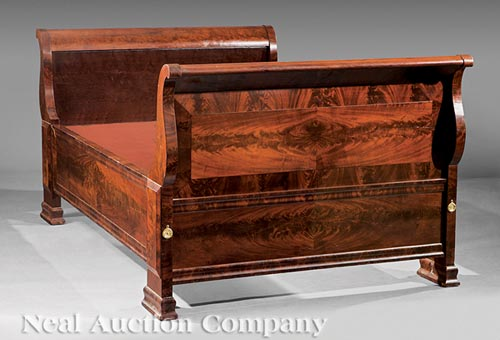 American classical figured mahogany sleigh bed for American home furniture beds