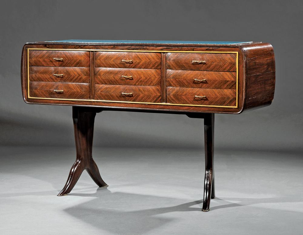 French Kingwood and Rosewood Chest of Drawers