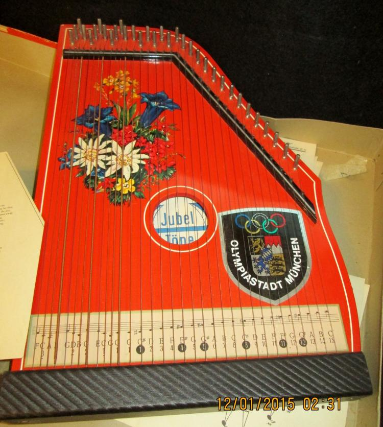 musical childrens german zither vintage and beautiful