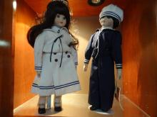 Dynasty Doll Collection - Andy & Haley w/Stands