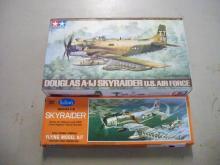 2 Piece Model Planes Sky Raider