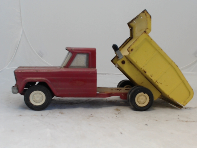 Lot 170 Vintage 1960s Tonka Jeep Dump Truck Red Yellow In Decent Shape
