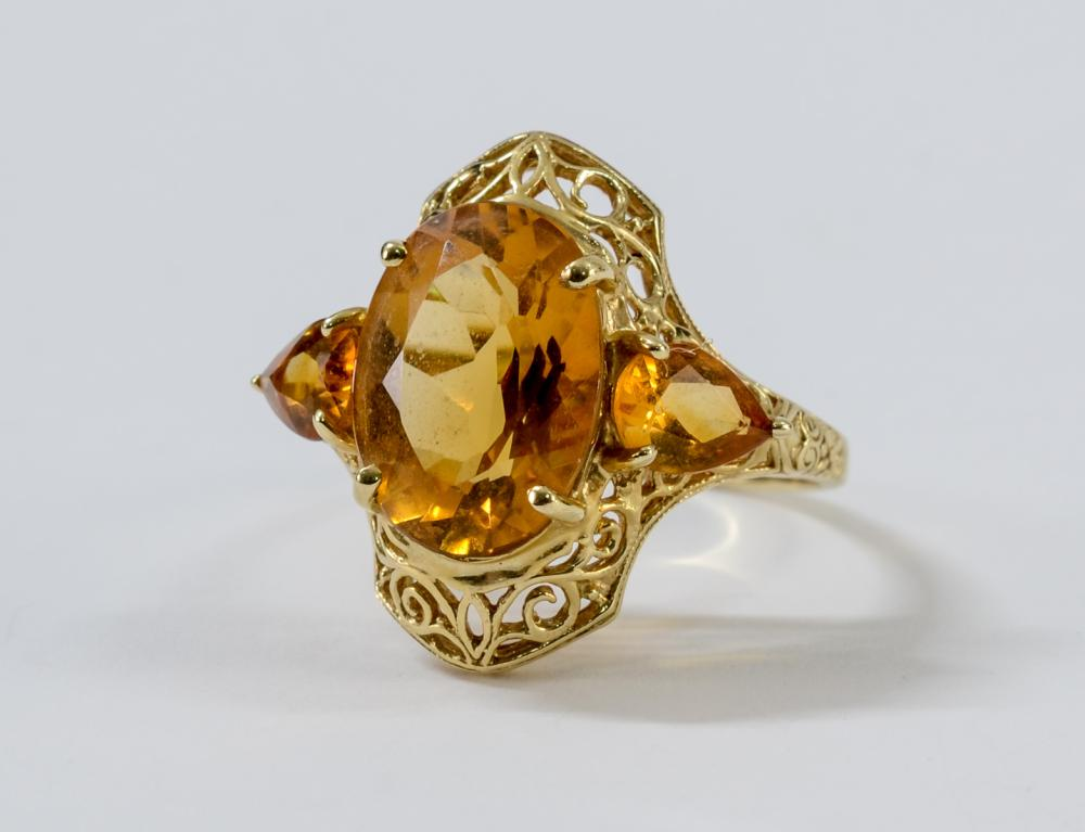 Ladies 14K Citrine Ring