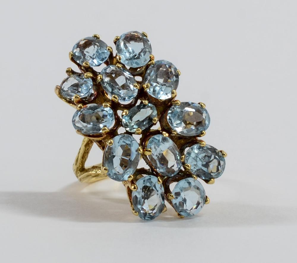 Ladies 18K Aquamarine Ring