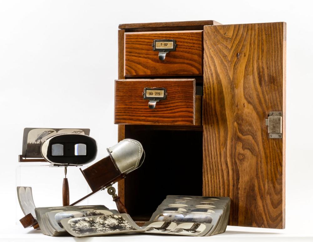Keystone Singley Stereoviews and Cabinet