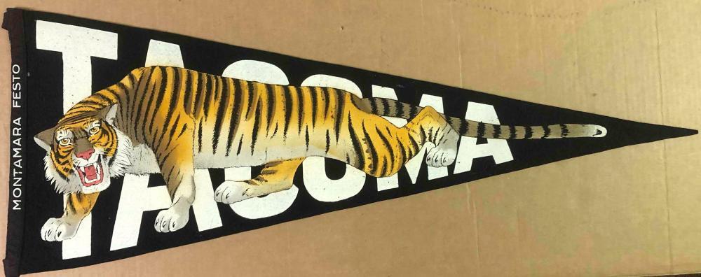 Montara Festo Tacoma tiger pennant, exceptional  d