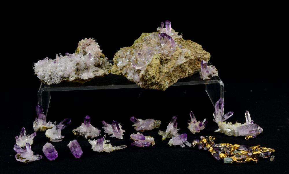 LARGE GROUP OF AMETHYST CRYSTALS