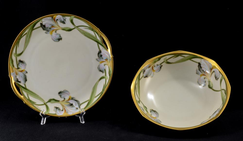 2 pcs Walter Wilson Iris Pattern China