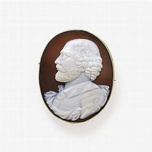 SHELL CAMEO BROOCH WITH A PORTRAIT IN PROFILE Naples, 2nd third 19th century