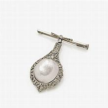 PIN- OR CORSAGE- BROOCH WITH A NATURAL PEARL AND DIAMONDS