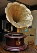 Gramophone retro 78 RPM phonograph