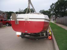 Lot 1: 1982 MacGregor 22 foot Sloop-Rigged Sailboat