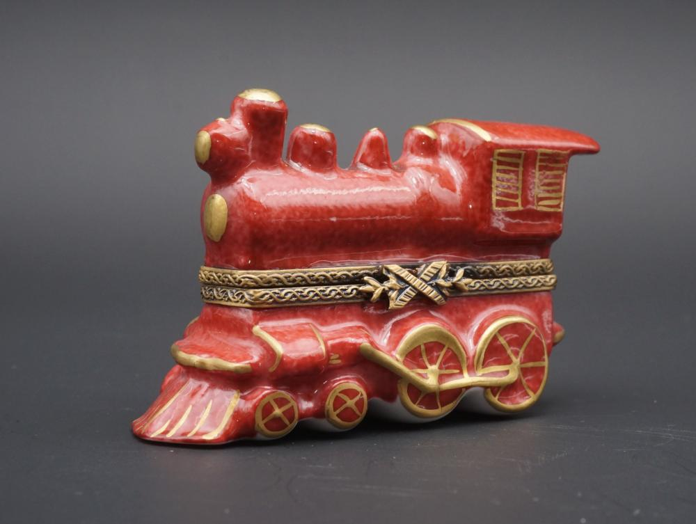 Limoges Peint Main train engine trinket box