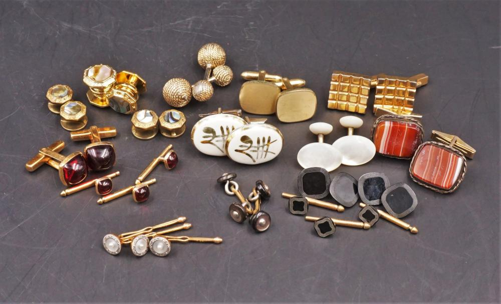 Assorted gold toned jewelry