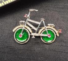 18K GOLD DIAMOND NATURAL JADEITE BICYCLE BROOCH