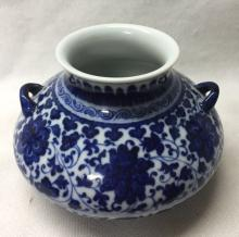 CHINESE PORCELAIN BLUE AND WHITE WATER JAR