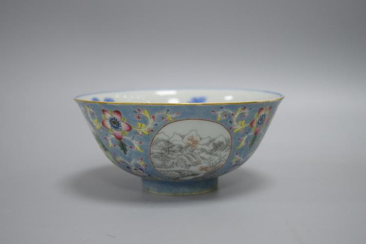 CHINESE PORCELAIN BLUE AND WHITE FAMILLE ROSE BOWL