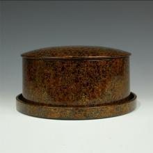 JAPANESE LACQUERED ROUND JEWELRY CASE