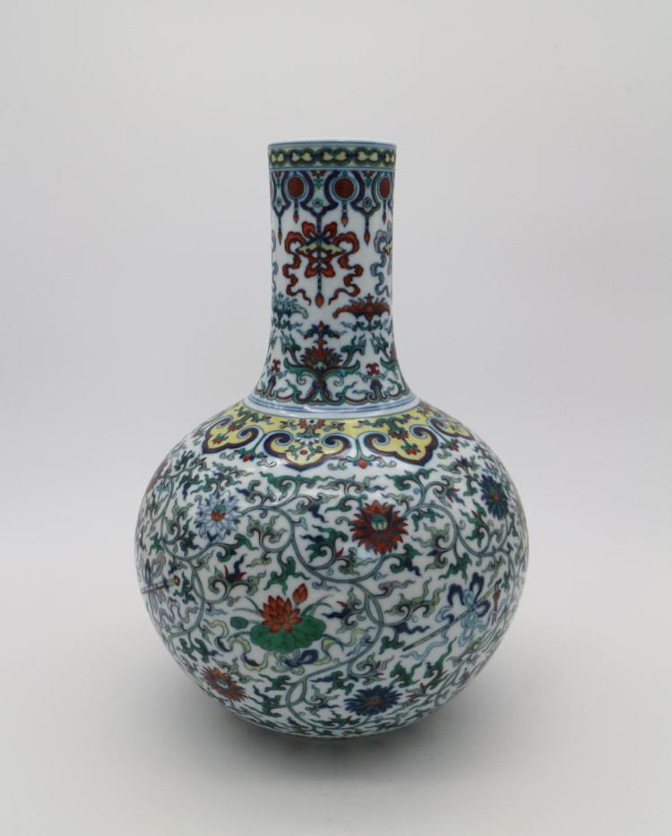 CHINESE PORCELAIN OF DOUCAI TIANQIU VASE
