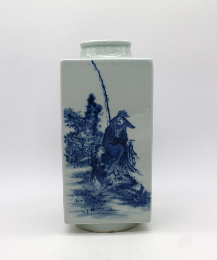 CHINESE PORCELAIN OF BLUE AND WHITE FIGURES SQUARE VASE