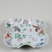 CHINESE PORCELAIN FAMILLE ROSE DISH