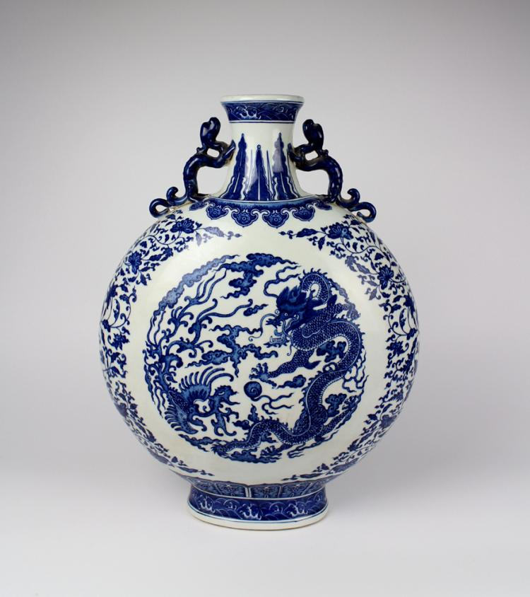 CHINESE PORCELAIN BLUE AND WHITE DRAGON PHOENIX MOONFLASK VASE