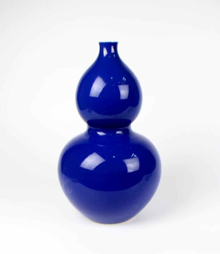 CHINESE PORCELAIN BLUE GLAZE GOURD VASE