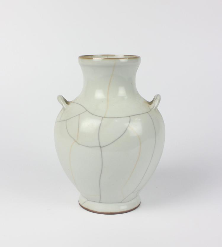 CHINESE PORCELAIN GE GLAZE JAR